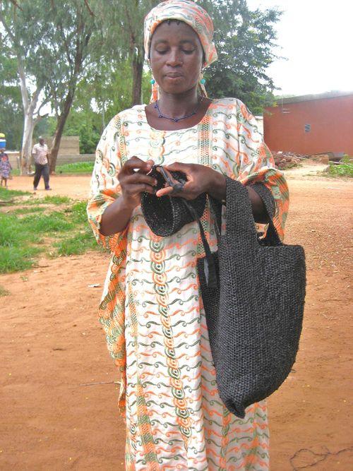 Femme au sac-sachet