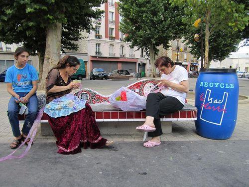 Femmes banc bidon
