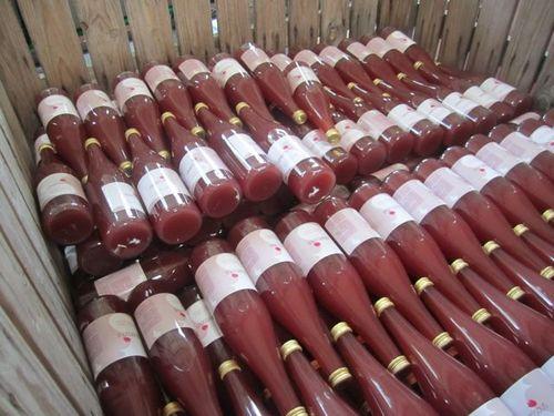 Padoc de bouteilles roses