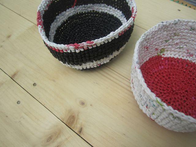 Bols sur table en palette