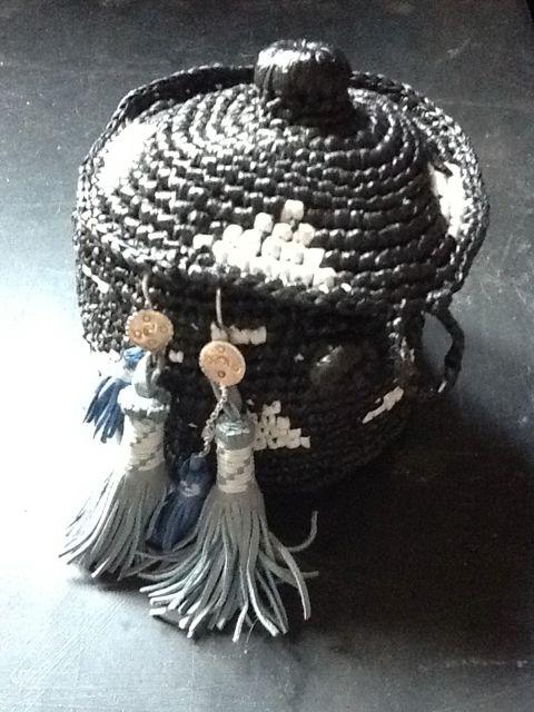 Petite boite à bijoux noire et blanche