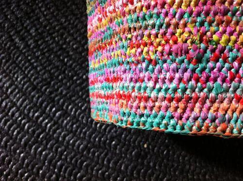 Noir et multi crochetés