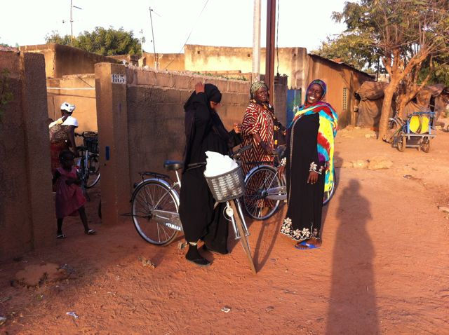 Femmes vélos 2